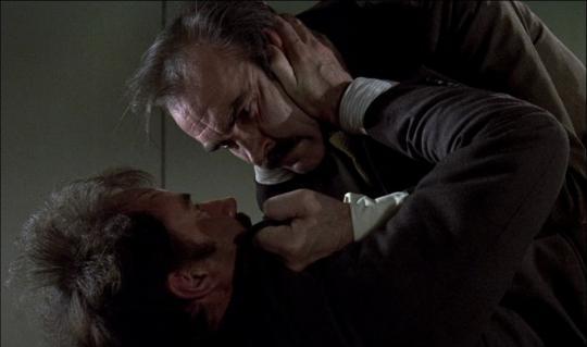 "Sean Connery et Trevor Howard dans ""The Offence"""