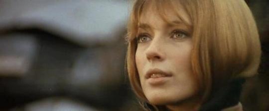 """Joanna Shimkus dans """"Les Aventuriers"""""""