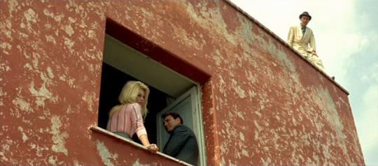 """Brigitte Bardot, Jack Palance et Michel Piccoli dans """"Le Mépris"""""""