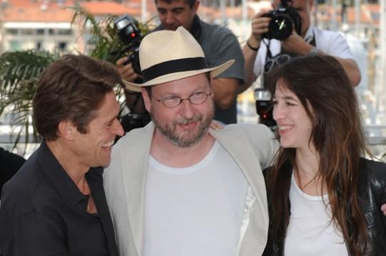 """Willem Dafoe, Lars Von Trier et Charlotte Gainsbourg à Cannes pour """"Antichrist"""""""