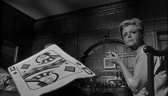 """Angela Lansbury dans """"Un crime dans la tête"""""""