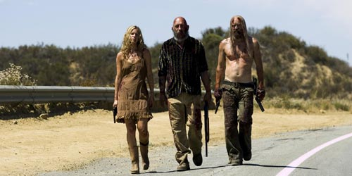 "Sheri Moon Zombie, Sid Haig et Otis B. Driftwood dans ""The Devil's Rejects"""