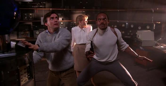 """Jeffrey Combs, Barbara Crampton et Ken Foree dans """"Aux Portes de l'au-delà"""""""