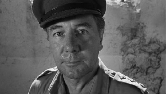 """Michael Redgrave dans """"La Colline des hommes perdus"""""""