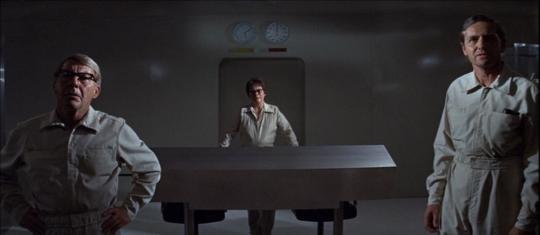 """David Wayne, Kate Reid et Arthur Hill dans """"Le Mystère Andromède"""""""