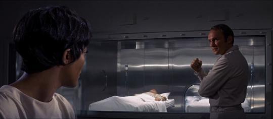 """Paula Kelly et James Olson dans """"Le Mystère Andromède""""'"""
