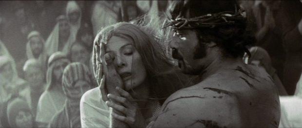 """Oliver Reed et Vanessa Redgrave dans """"Les Diables"""""""