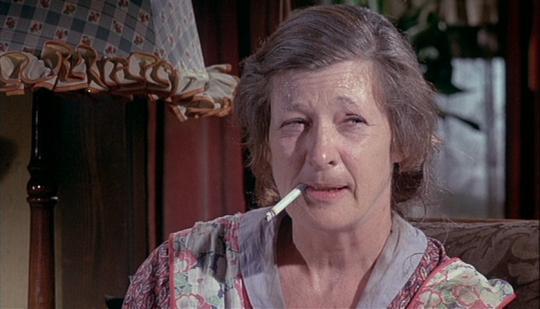"""Irene Dailey dans """"Pas d'orchidées pour Miss Blandish"""""""