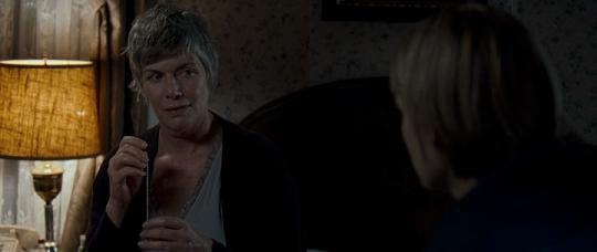 "Kelly McGillis dans ""The Innkeepers"""