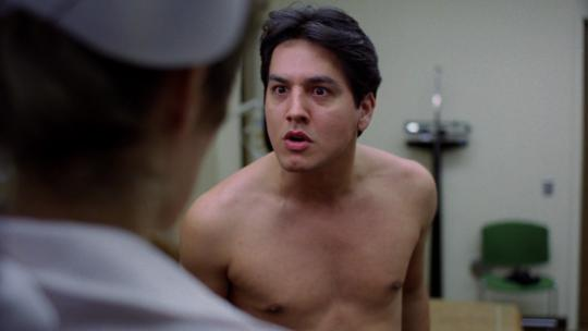 "Robert Beltran dans ""Eating Raoul"""