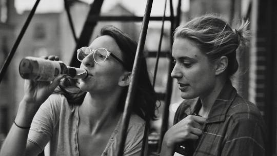 "Mickey Sumner et Greta Gerwig dans ""Frances"