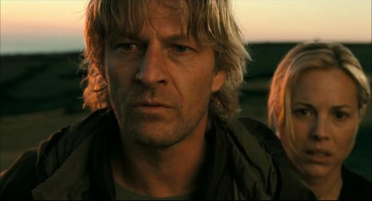 "Sean Bean et Maria Bello dans ""The Dark"""