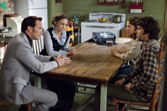 "Patrick Wilson, Vera Farmiga, Ron Livingston et Lili Taylor dans ""The Conjuring : les dossiers Warren"""
