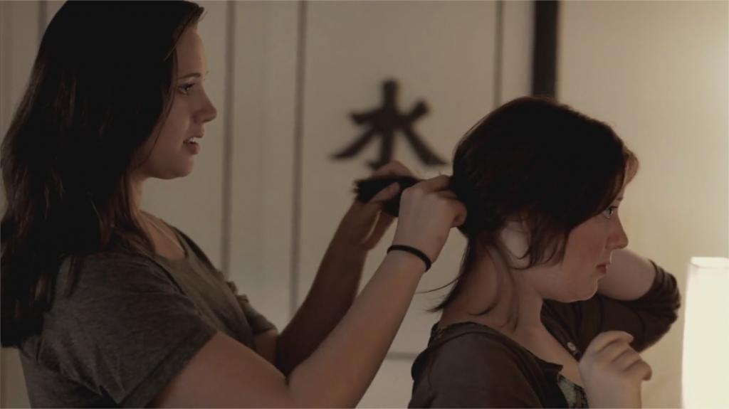 """Katie Parker et Courtney Bell dans """"Absentia"""""""
