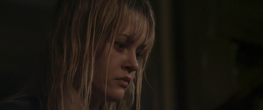 "Ambyr Childers dans ""We Are What We Are""."