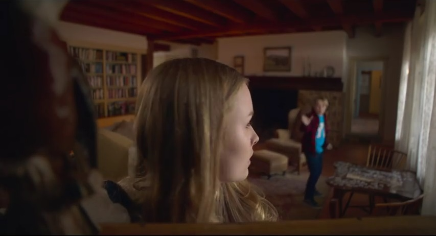 "Olivia DeJonge et Ed Oxenbould dans ""The Visit"""