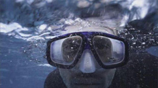 """Damian Walshe Howlingthe dans """"The Reef"""""""