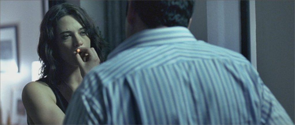 """Asia Argento dans """"Boarding Gate"""""""