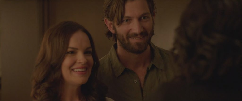 "Tammy Blanchard et Michiel Huisman dans ""The Invitation"""