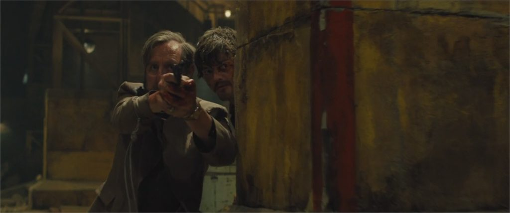 "Michael Smiley et Sam Riley dans ""Free Fire"""