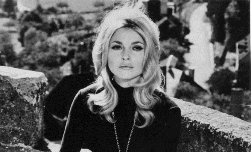"Sharon Tate dans ""Eye of the Devil"""