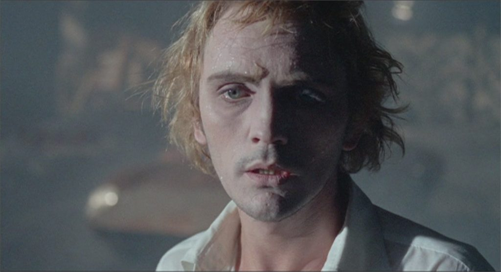 "Terence Stamp dans ""Toby Dammit"""