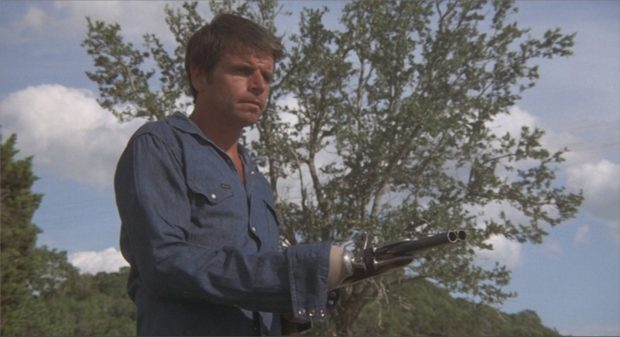 "William Devane dans ""Rolling Thunder"""