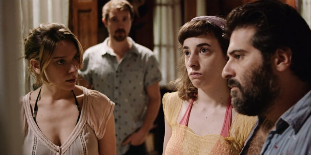 "Andrea Carballo, Sofía Brihet, Rafael Pregelburd et Sam Huntington dans ""Finding Sofia"""