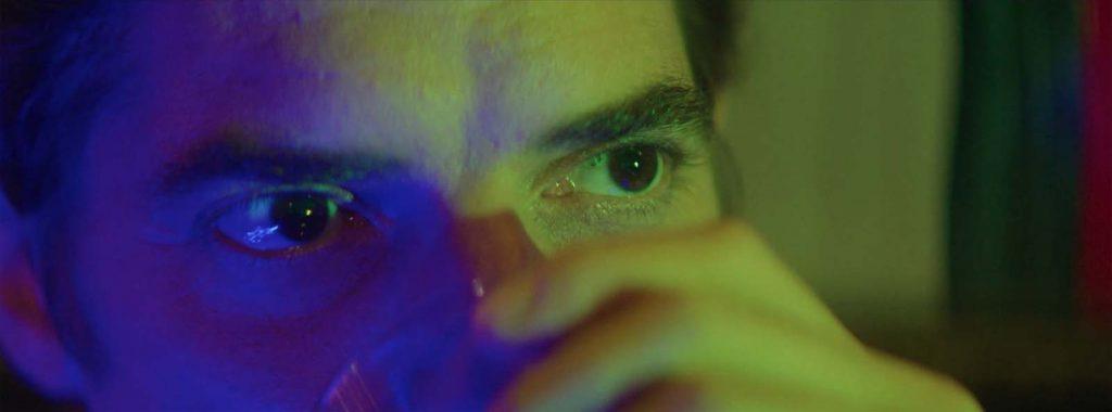 """Damien Bonnard dans """"C'est qui cette fille ?"""""""