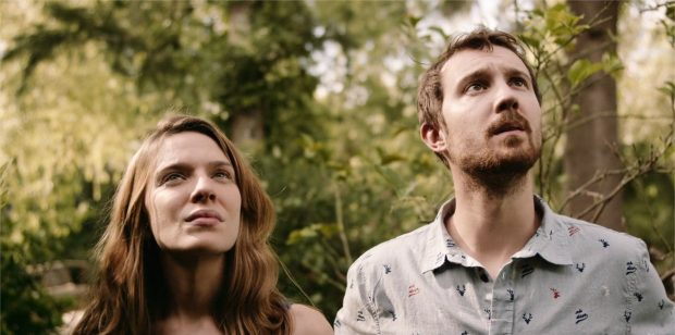 "Sam Huntington et Andrea Carballo dans ""Finding Sofia"""