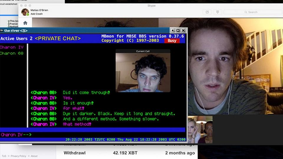 "Colin Woodell et Connor Del Rio dans ""Unfriended: dark web"""