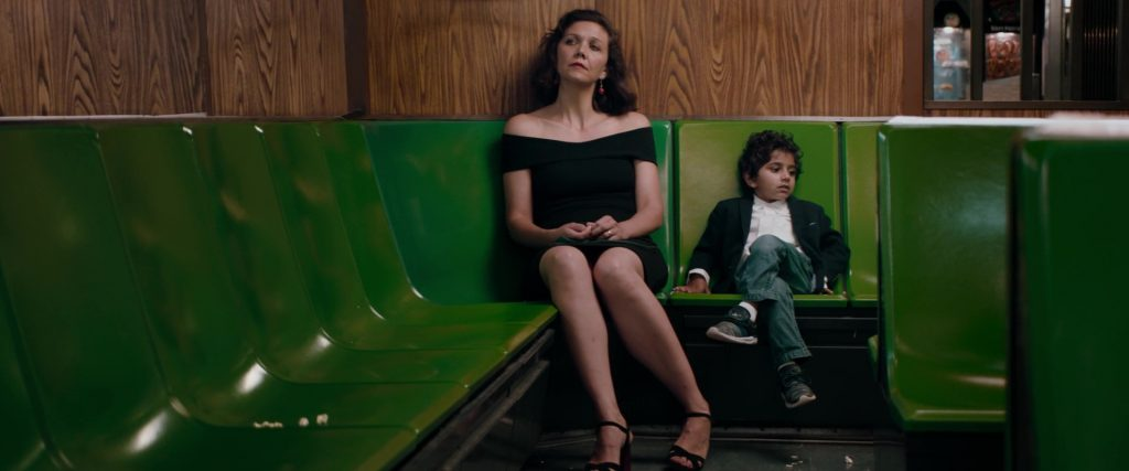 "Maggie Gyllenhaal et Parker Sevak dans ""The Kindergarten Teacher"""