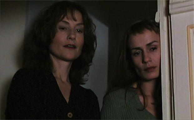 Isabelle Huppert et Sandrine Bonnaire dans La Cérémonie