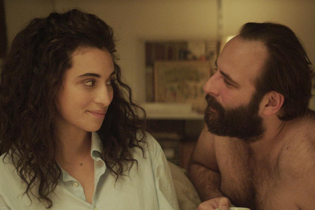 Camélia Jordana et Vincent Macaigne dans Les Choses qu'on dit, les choses qu'on fait